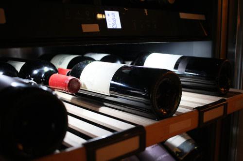 Lagerung in einem Weinkühlschrank - Vino Culinario